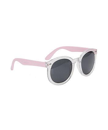 Рожеві сонцезахисні окуляри із серцями